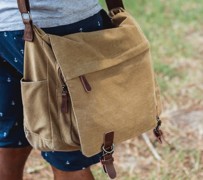 light brown canvas messenger bag for cycling
