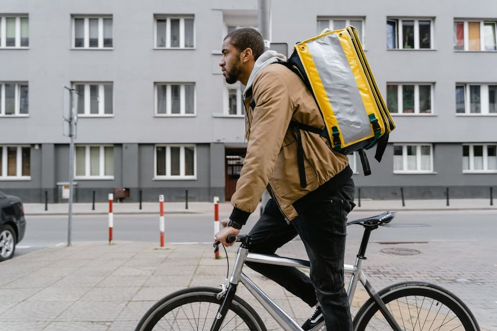 Read more about the article Best Way To Deliver Food On Bike