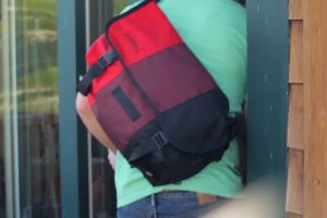 Read more about the article How to Wear a Messenger Bag on a Bike?